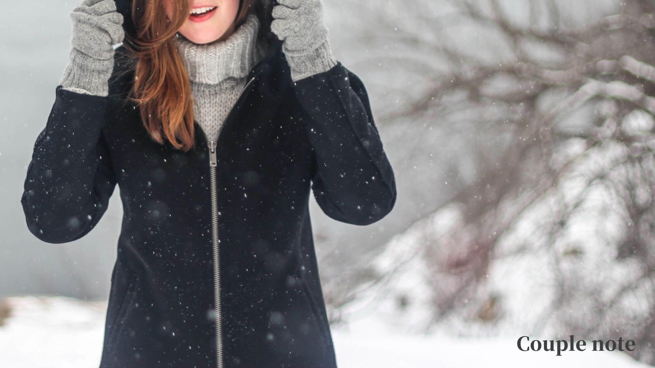 【テレワーク寒さ対策7選】足元や手を温める在宅勤務の神器を紹介!